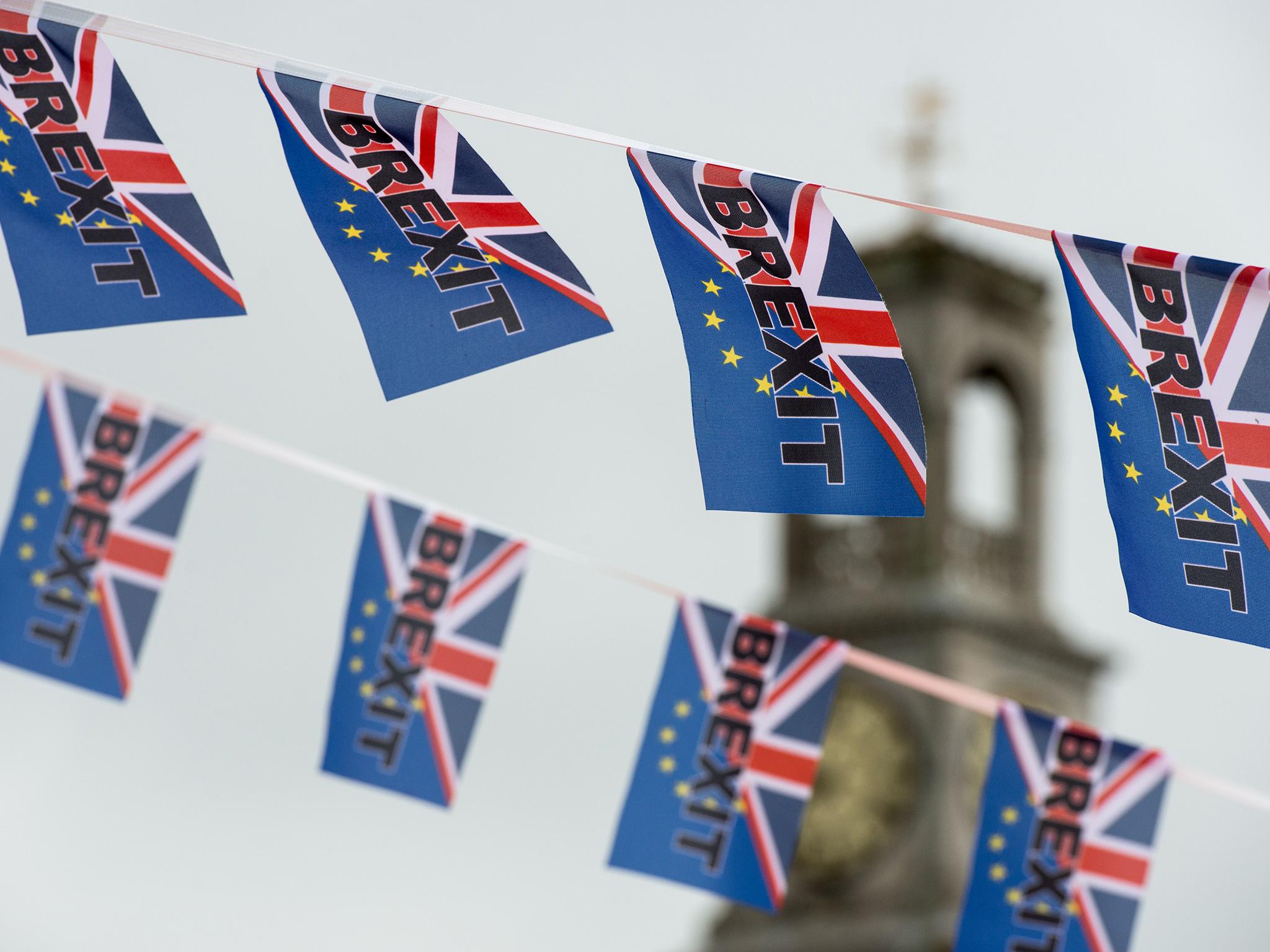 Pro-Brexit flags